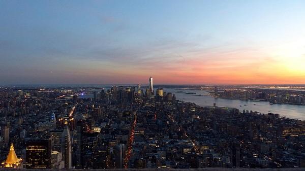 Manhattan depuis l'Empire State Building au coucher du soleil
