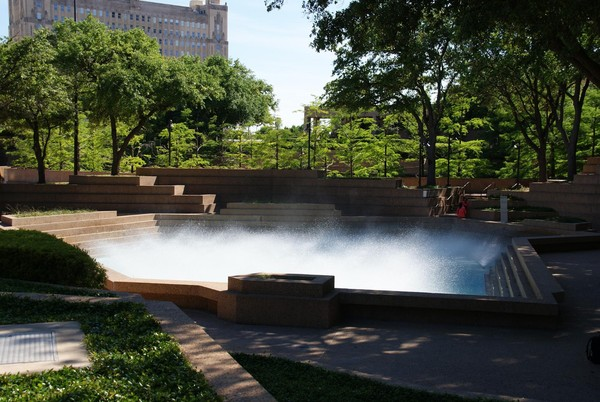 Bassin actif Water Gardens Downtown Fort Worth Texas