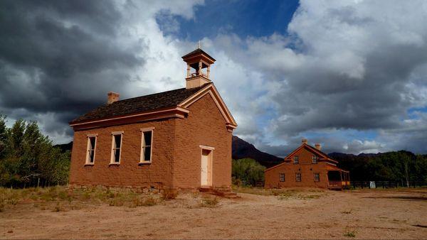 Ecole-église et maison Russell Grafton Ghost Town