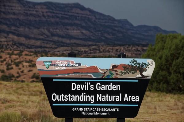 Panneau Devil's Garden Hole in the Rock Road Utah