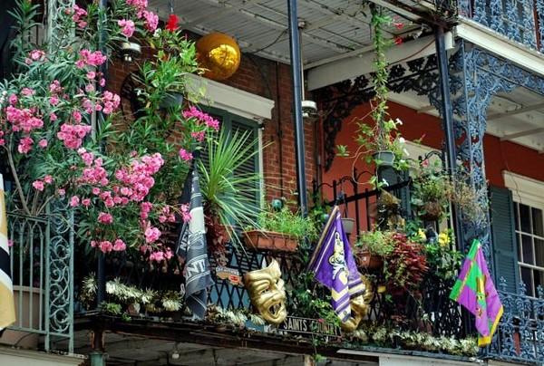 Décorations balcon sur Bourbon Street la Nouvelle Orléans Louisiane