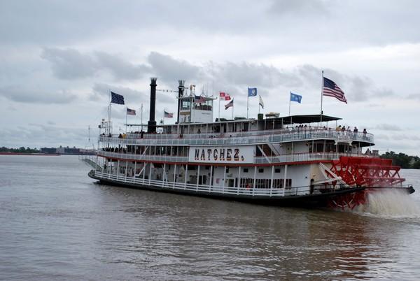 Bateau roue à aube sur le Mississippi La Nouvelle-Orléans Louisiane