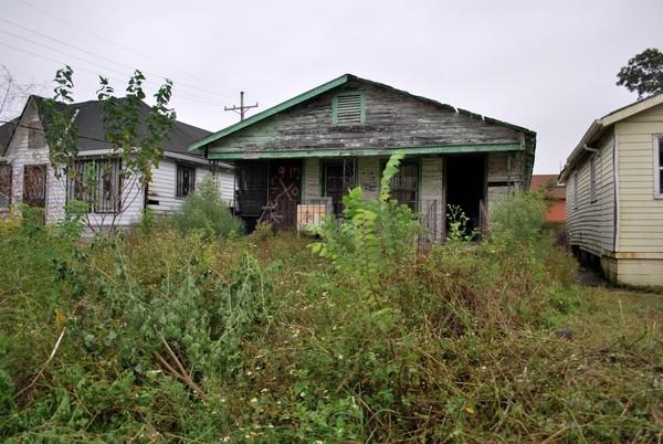 Propriété abandonnée après le passage de l'ouragan Katrina La Nouvelle-Orléans Louisiane