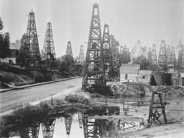 The first oil district in Los Angeles, Toluca Street circa 1895-1901