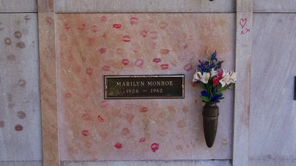 Tombe de Marilyn Monroe Westwood Memorial Park Los Angeles