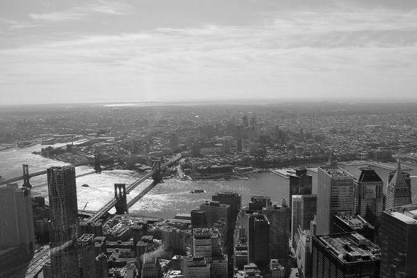 Brooklyn Bridge et Manhattan Bridge depuis le One World Trade Center New York