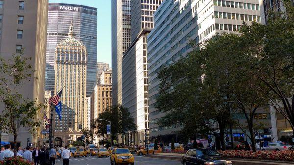 Met Life Building au bout de Park Avenue New York