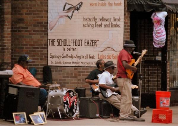 Orchestre improvisé Beale Street Memphis
