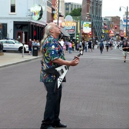 Musicien de rue Beale Street Memphis