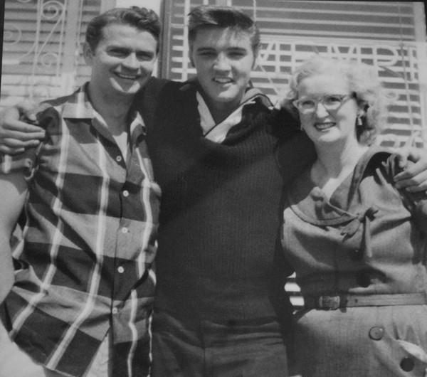 Sam Phillips, Elvis Presley et Marion Keskeir Memphis