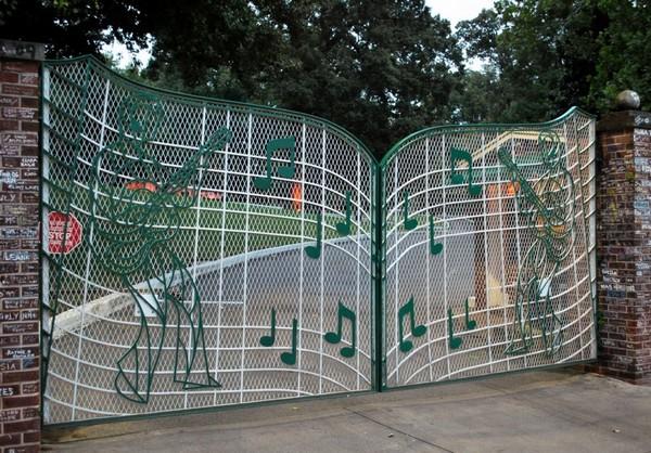 Le portail de Graceland installé en 1957