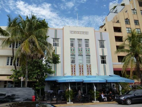 Art Deco District Cavalier Miami