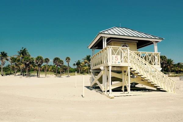 Crandon Park Beach et sa lifeguard cabin Key Biscayne Miami