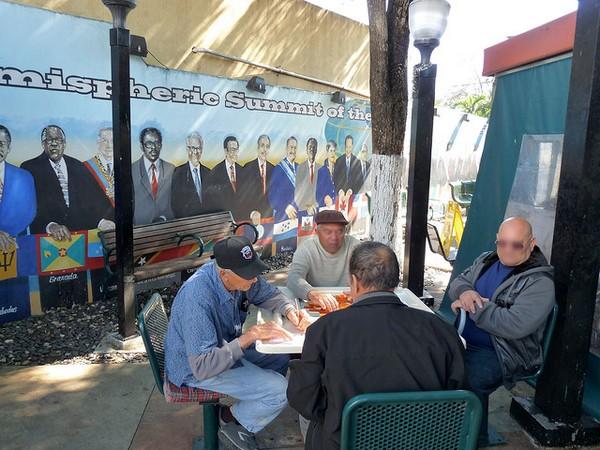 Partie de dominos Maximo Gomez Park Miami