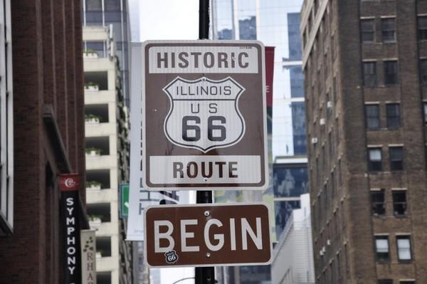 A Chicago, le célèbre panneau du très symbolique point de départ de la Route 66