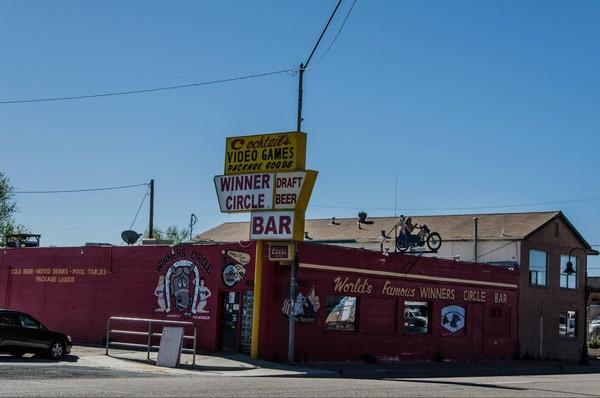 Enseignes Winners Circle Bar Holbrook Route 66 Arizona