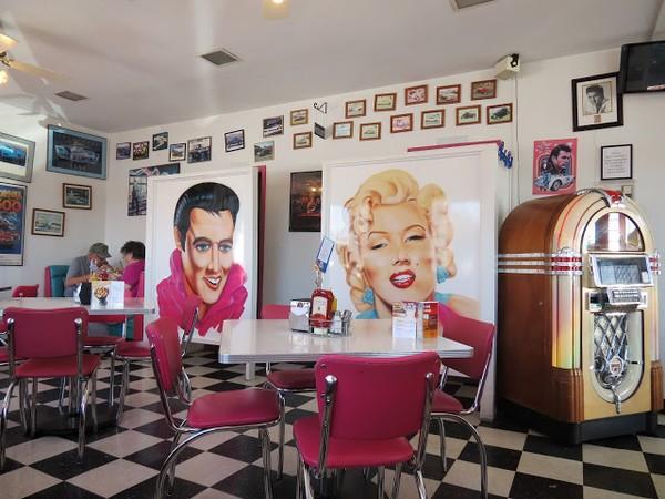 Mr D'z Route 66 Diner Kingman Arizona