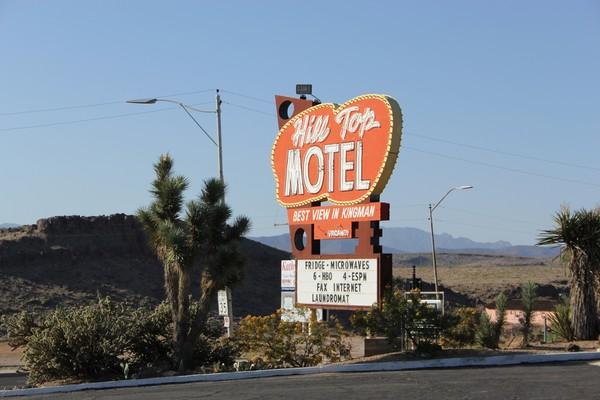 Enseigne Hill Top Motel Kingman Route 66 Arizona