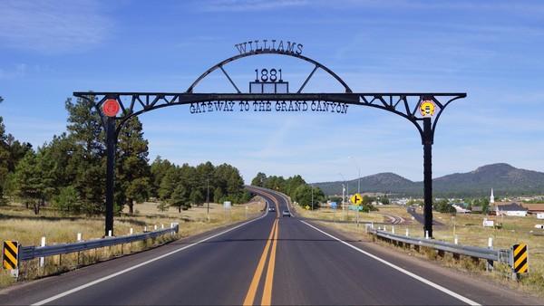 Portique Entrée Williams Route 66 Arizona
