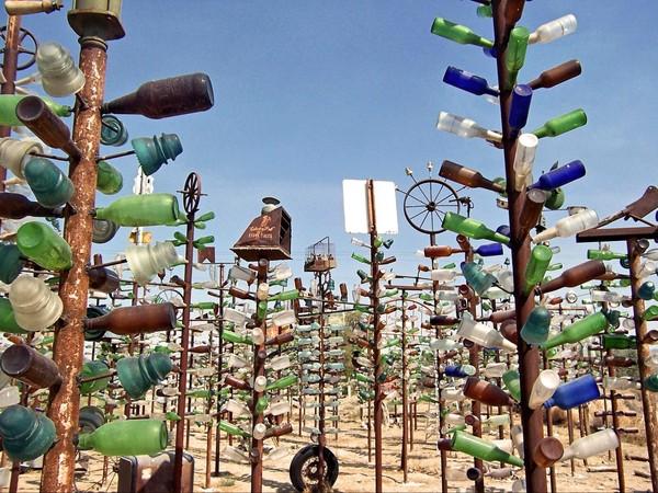 Elmer's Bottle Tree Ranch à Oro Grande Route 66 Californie