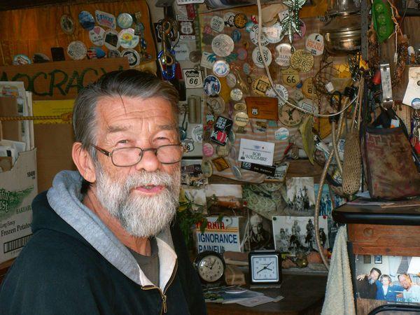 Bob Waldmire en 2006 Pontiac Route 66