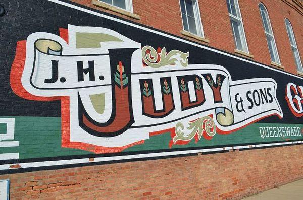 J.H. Judy & Sons Grocers à l'angle de Arch St. et de Race St. Atlanta Route 66