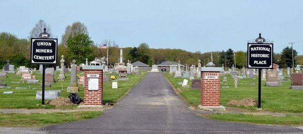 Union Miners Cemetary, monument historique Mount Olive Route 66