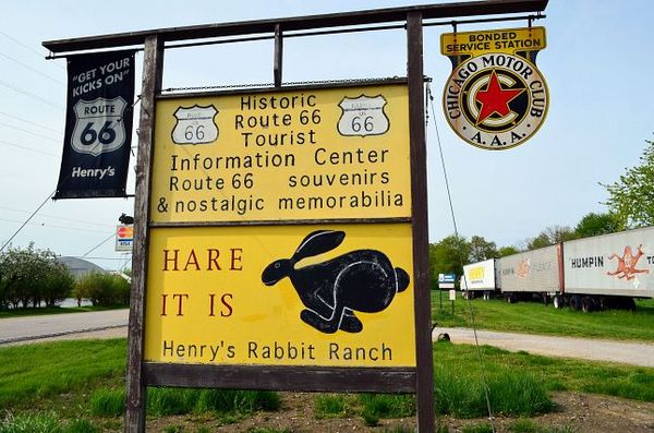 Henry's Ra66it Ranch Staunton Route 66
