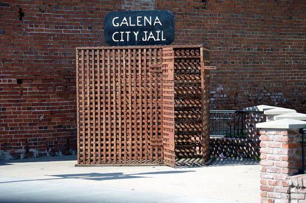 Vestige de l'ancienne prison de la ville au Howard Pappy Litch Park Galean Kansas