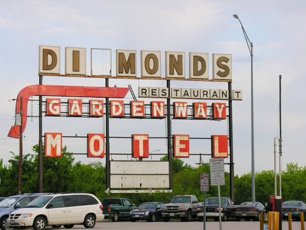 Diamonds Restaurant & Gardenway Motel Villa Ridge Missouri USA