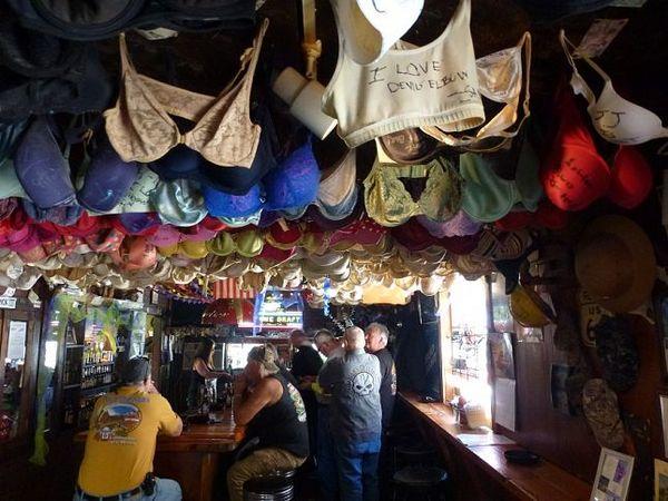 Elbow Inn Bar & BBQ Route 66