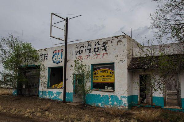 Garage abandonné à San Jon Route 66 Nouveau-Mexique