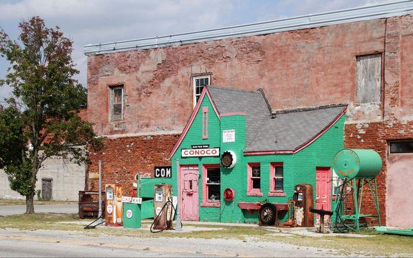 Allen's Conoco Fillin' Station Commerce Oklahoma Route 66