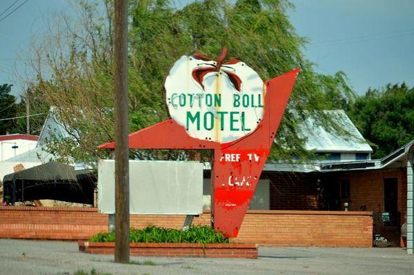 Cotton Boll Motel (605 Old US Hwy 66, Canute, OK 73626), aujourd'hui abandonné Oklahoma