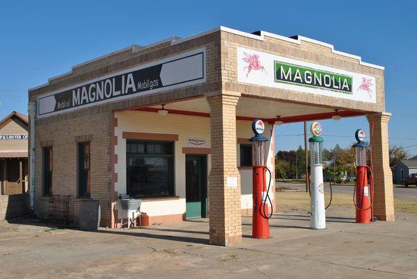 Station service Magnolia Shamrock Route 66 Texas