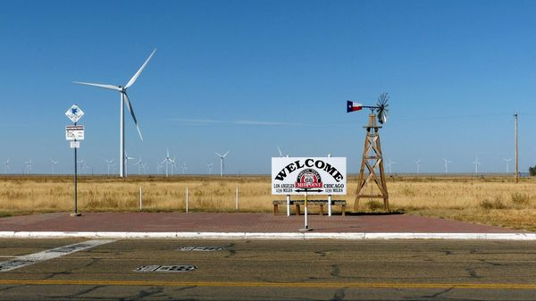 Mid-Point Adrian Route 66 Texas
