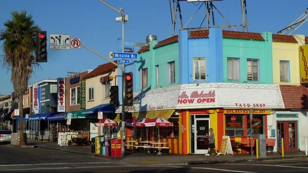 Architecture colorée de Mission Beach San Diego