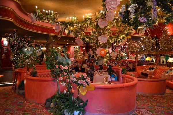 Salle du restaurant Madonna Inn San Luis Obispo Californie