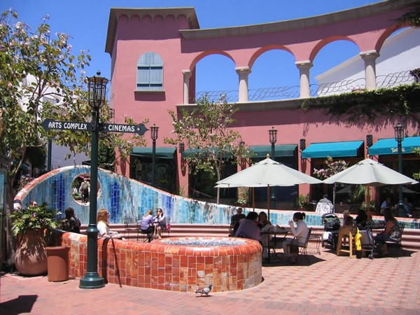 Paseo Nuevo Santa Barbara