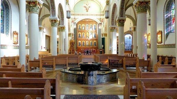 Intérieur Cathédrale Basilique Saint François d'Assise Santa Fe Nouveau-Mexique