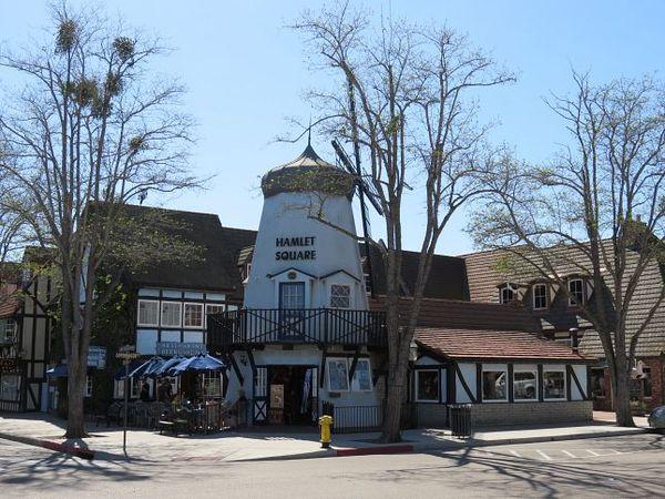 Hamlet Square