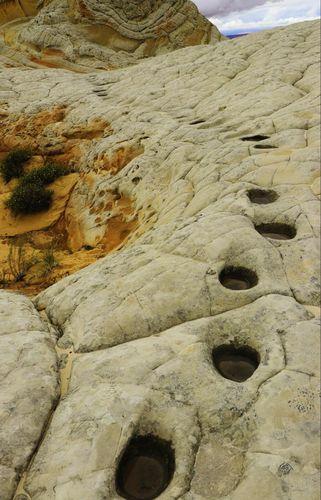 Cheminement creusé par les mustangs (selon une légende indienne) White Pocket Arizona