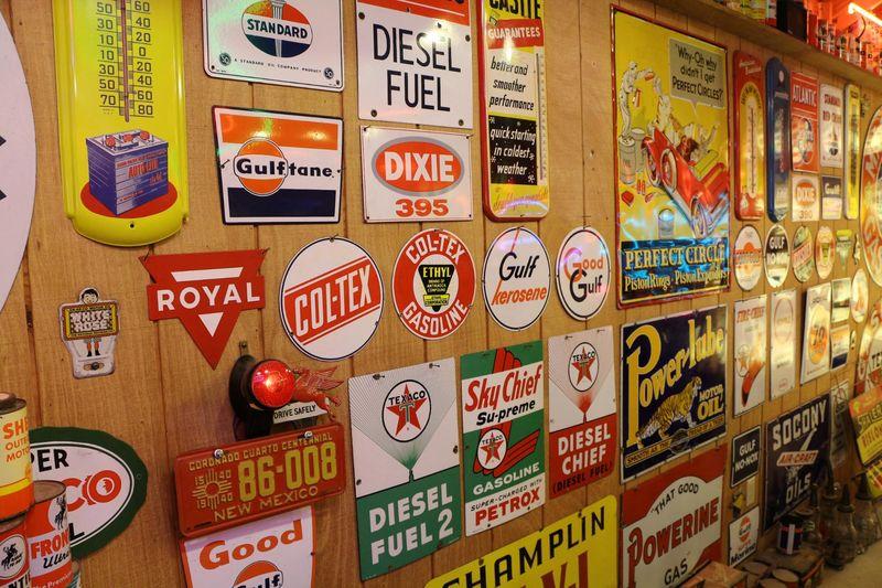 Plaques vintages Classical Gas Museum